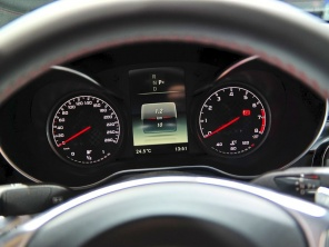 奔驰C450 AMG 4MATIC 北美车展首亮相