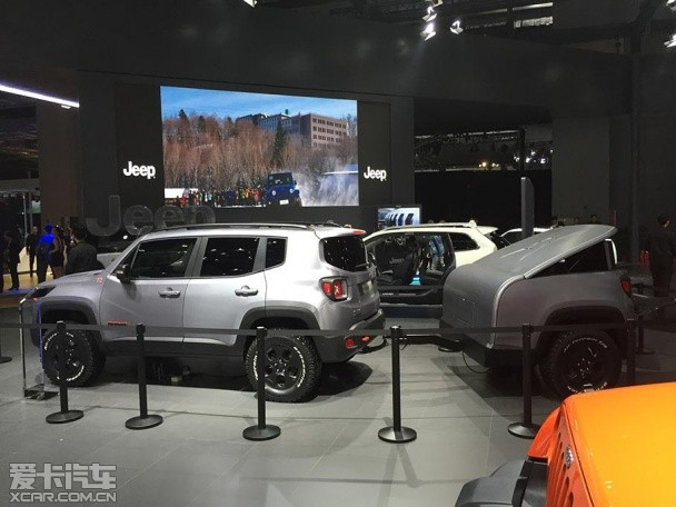 上海车展探馆 Jeep己在侠概念车尽先先拍