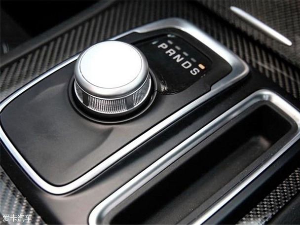 新克莱斯勒300 SRT官图正式发布