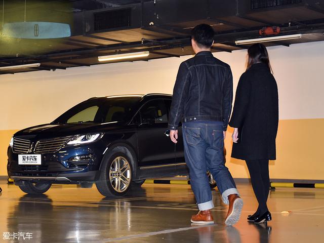 眼前的这辆新款林肯MKC-冬日里一见钟 情 林肯MKC购车情景剧
