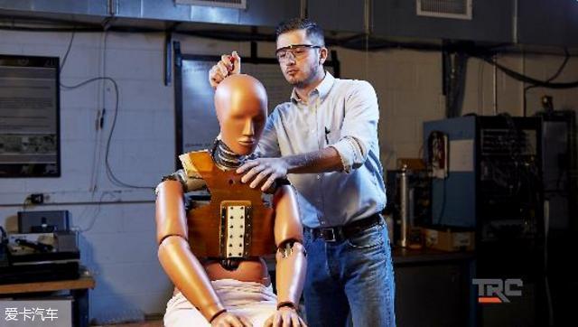 交通研究中心致力无人驾驶与车联网研究