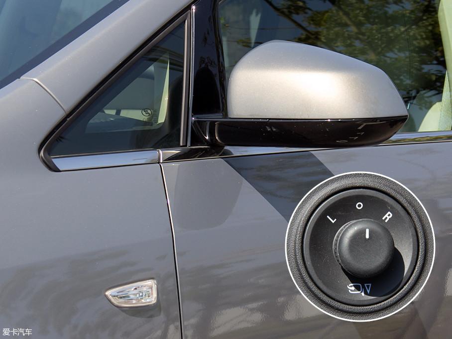 作为上一代GL8豪华商务的后续车型,全新GL8商旅车的外观和内饰均没有太大变化,相信大家对其非常熟悉,本文将讲解两车内外的不同之处。