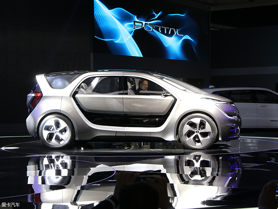克莱斯勒Portal概念车