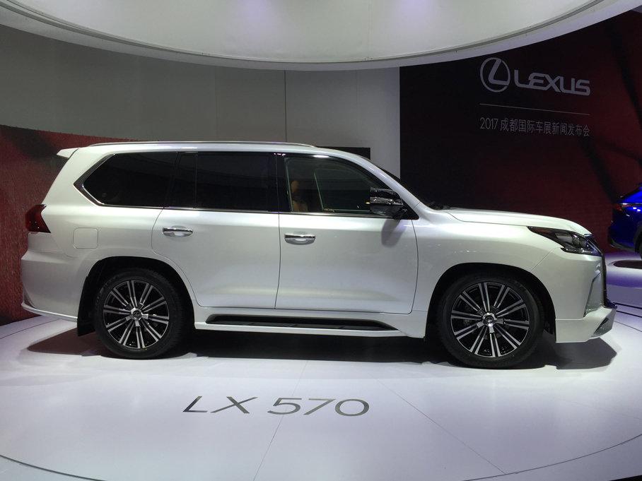 2017成都车展:雷克萨斯LX570特别版发布
