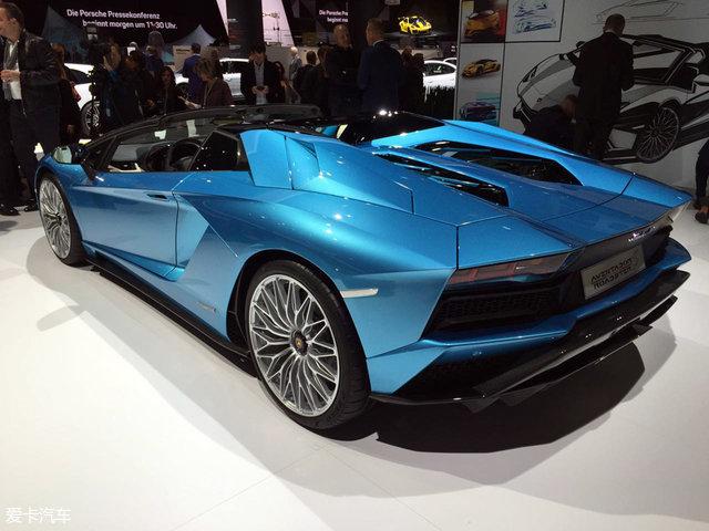 法兰克福车展:Aventador S敞篷版亮相