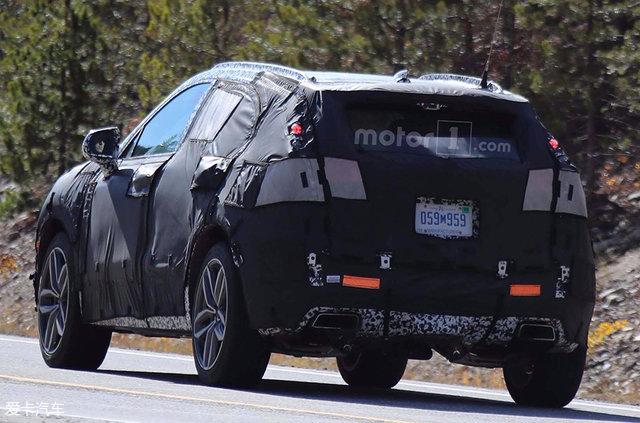 除此之外,凯迪拉克XT4将与XT5共享通用C1XX平台。动力系统部分,新车将搭载一台2.0T涡轮增压发动机,并提供两驱及四驱版本以供消费者选择。未来凯迪拉克XT4还有望推出插电式混合动力车型。