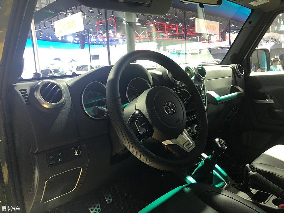2017广州车展 北汽BJ40L柴油版正式发布