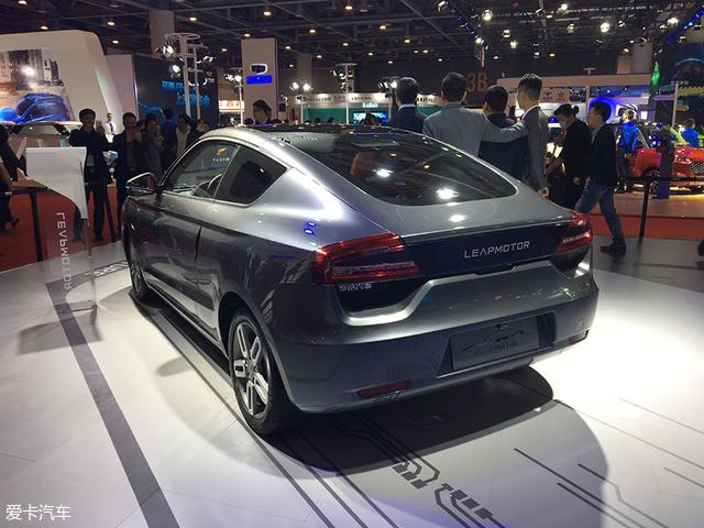 纯电动轿跑 零跑汽车首款量产车S01发布