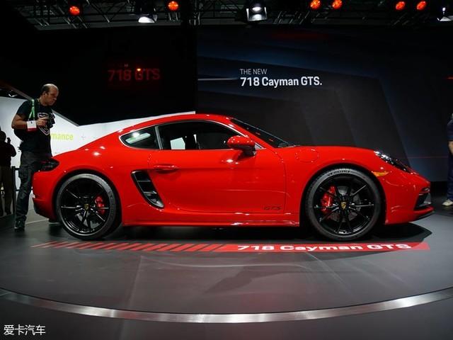 在本届洛杉矶车展上,保时捷718 cayman GTS正式发布亮
