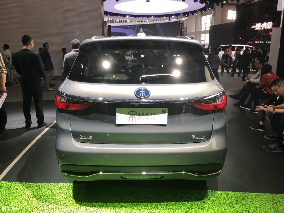 2018北京车展:比亚迪宋MAX插电混动版