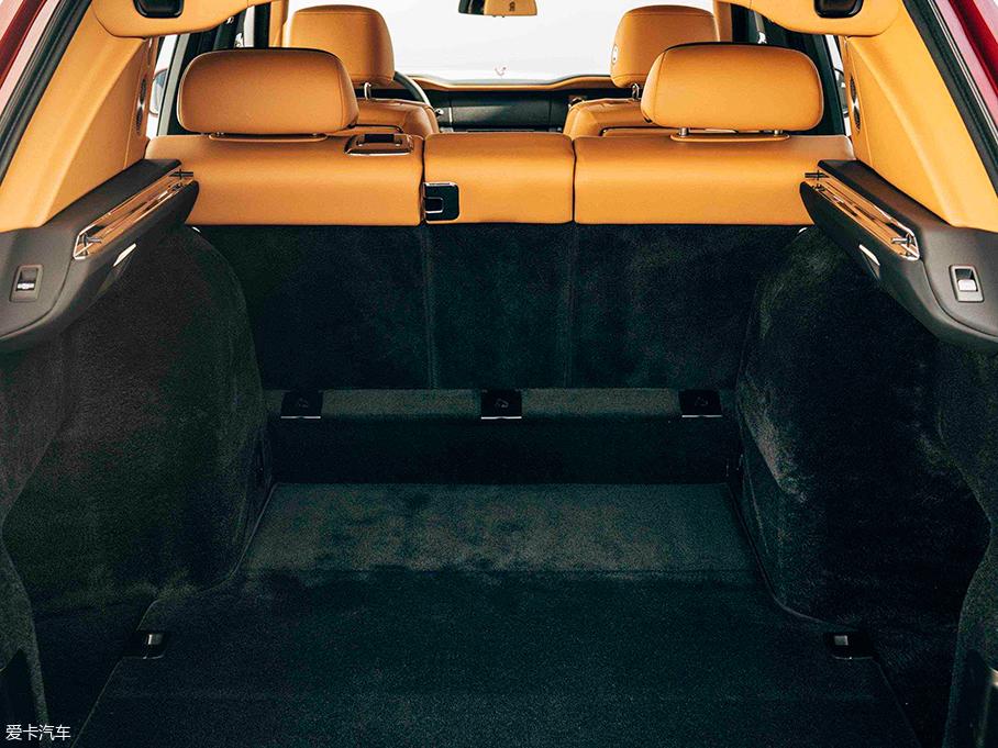 劳斯莱斯库里南正式发布 搭载揽景坐席