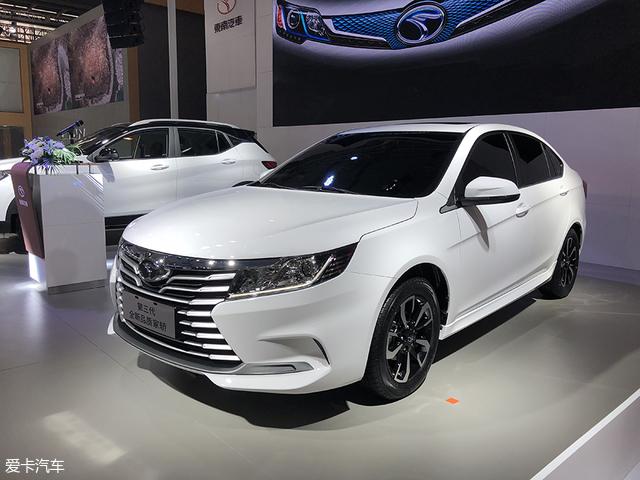 2018成都车展:东南全新轿车A5正式亮相