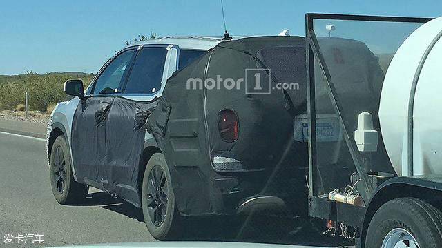 3排/8座的大型SUV 曝现代Palisade谍照