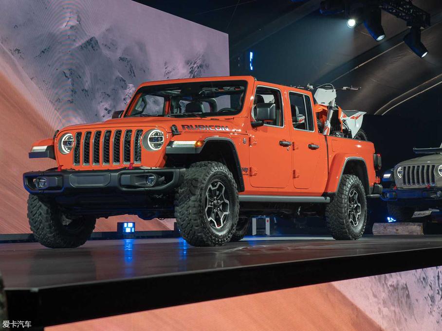与牧马人同平台 Jeep全新皮卡Gladiator