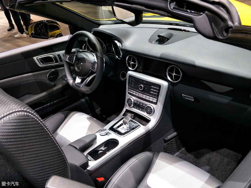 日内瓦车展:最终版奔驰SLC级首发亮相
