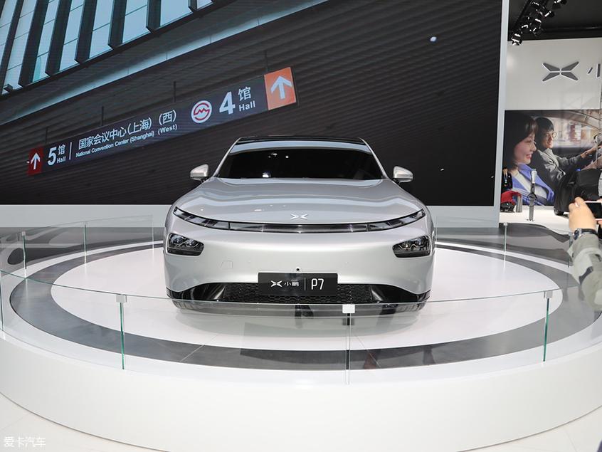 2019上海车展探馆:小鹏P7车型实拍图