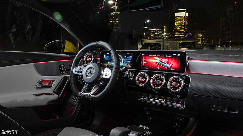 2019纽约车展 梅赛德斯-AMG CLA 35亮相