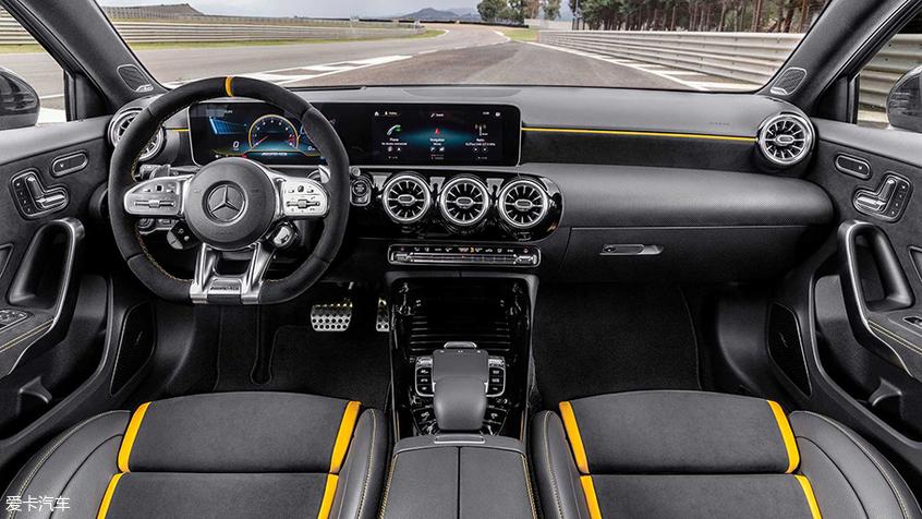 全新AMG A45 S正式亮相古德伍德速度节