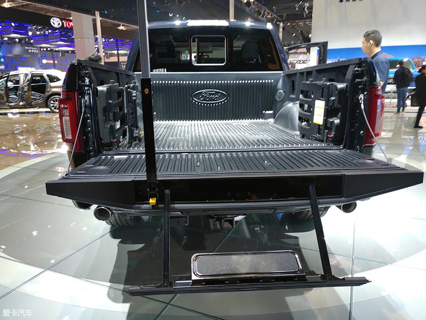 上海车展:福特F-150 LTD车型正式亮相