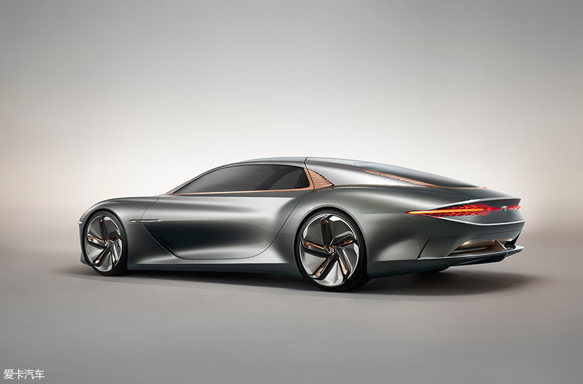宾利EXP 100 GT概念车