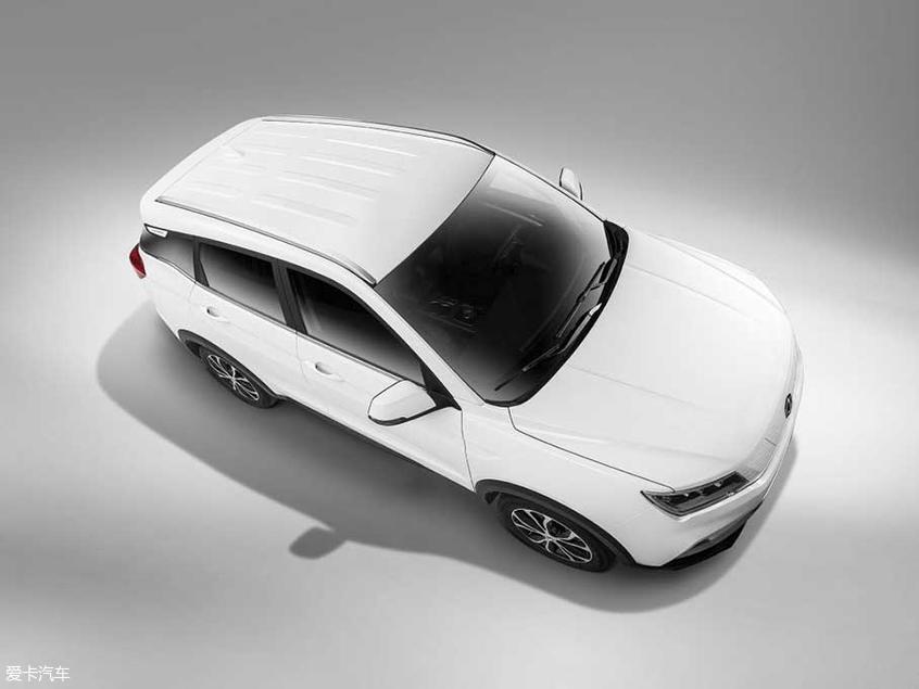 雷丁i9官图发布 硬朗派纯电动小型SUV