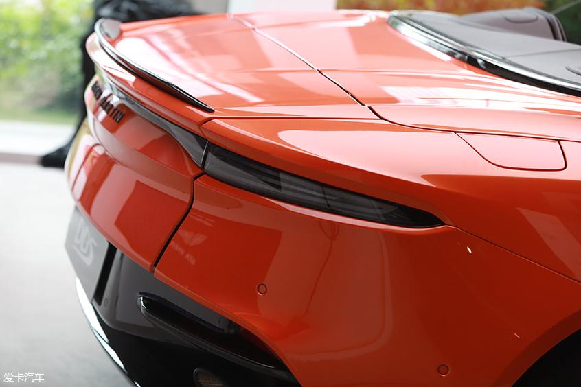 阿斯顿·马丁DBS Superleggera Volante