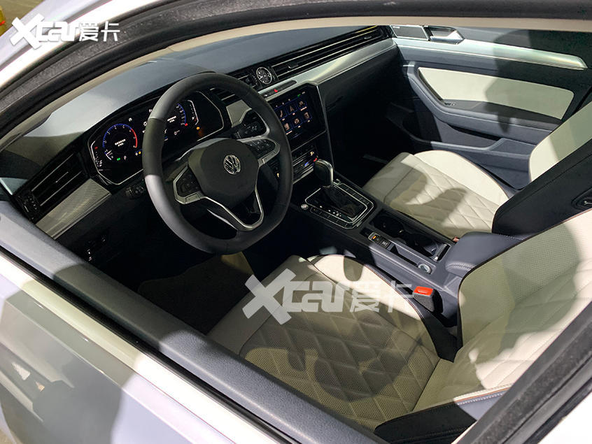 2019广州车展探馆 新款迈腾抢先实拍