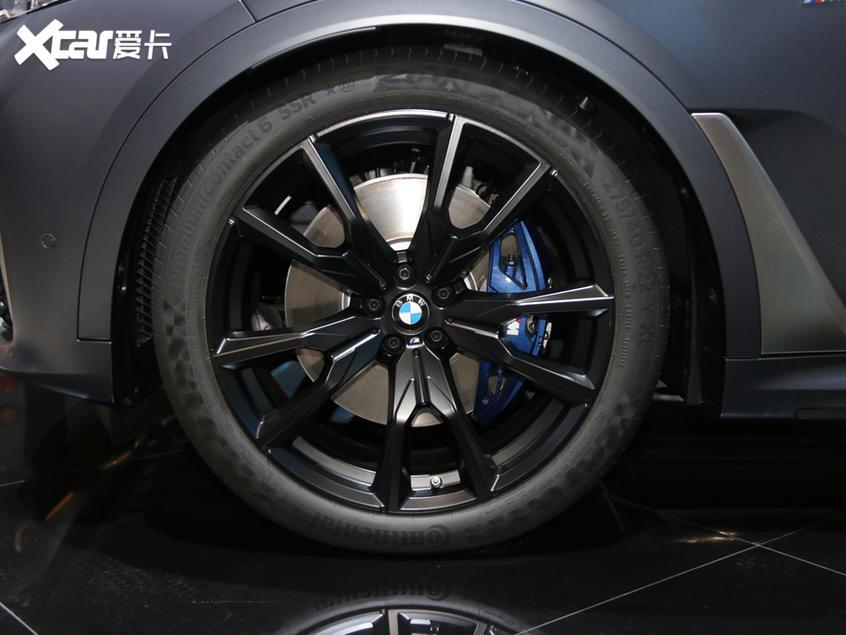 广州车展:宝马X7辉夜典藏版实车亮相