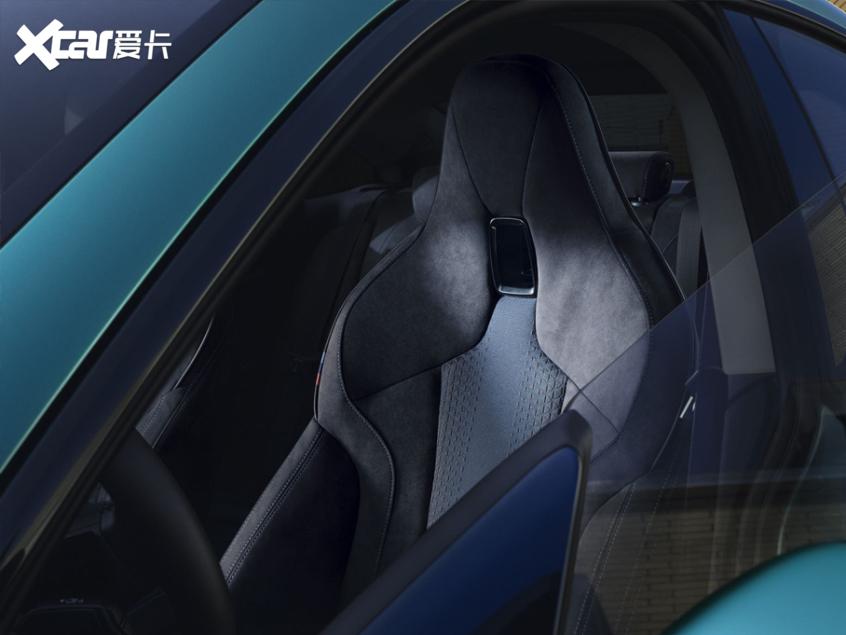 全新宝马2系四门轿跑上市 26.98万起售