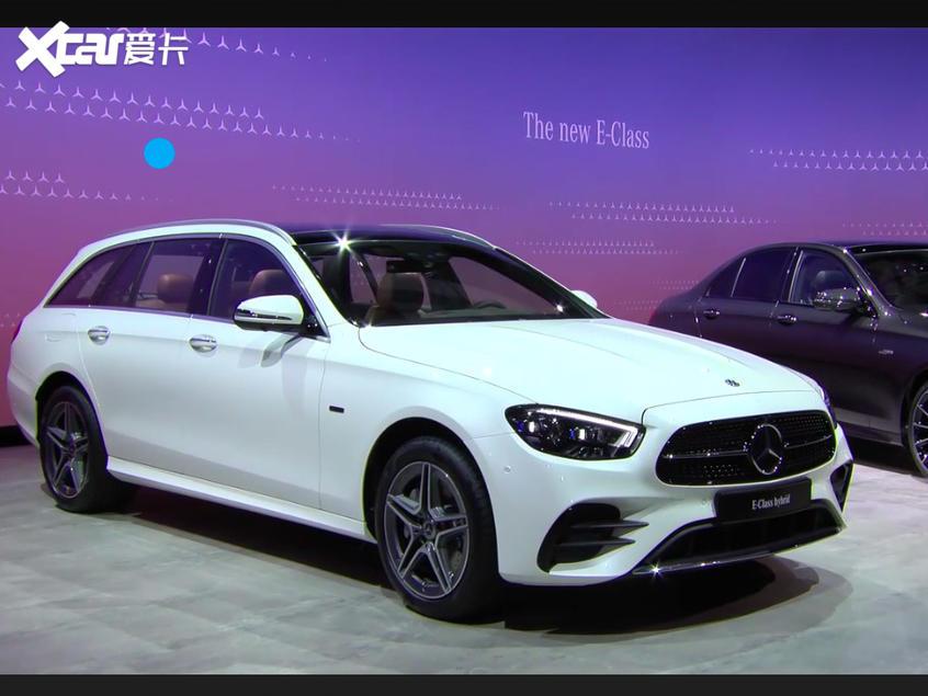 新款奔驰E级线上发布 搭全新矩阵式大灯