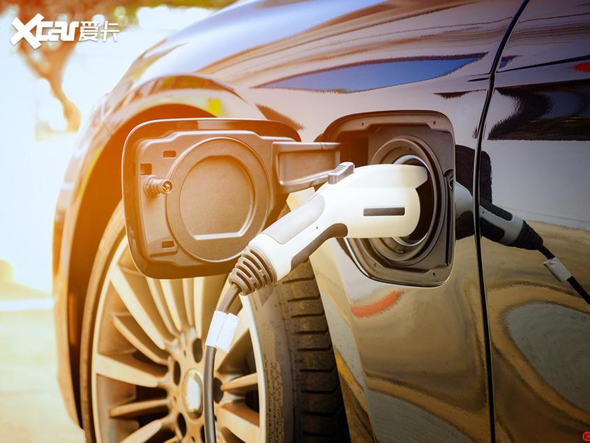 深度观察|油价下滑多维度影响汽车行业