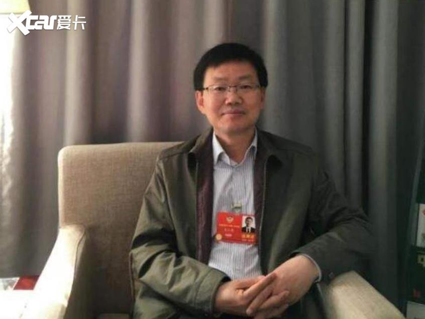 两会|建议北京取消对天津汽车限