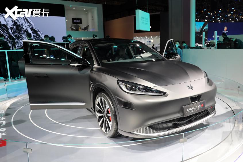 2021上海车展:极狐阿尔法S 华为 HI版