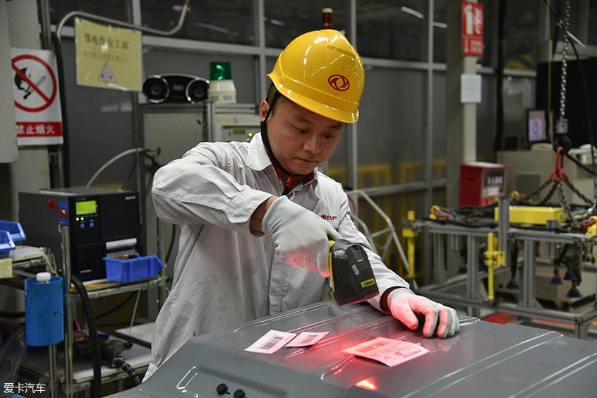 东风日产动力电池总装线