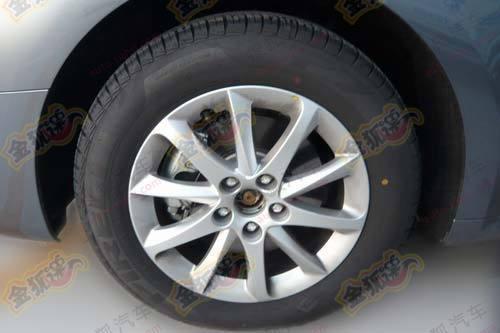标致508车型,不过东风雪铁龙c5车型虽然采用16寸轮毂,但轮胎高清图片
