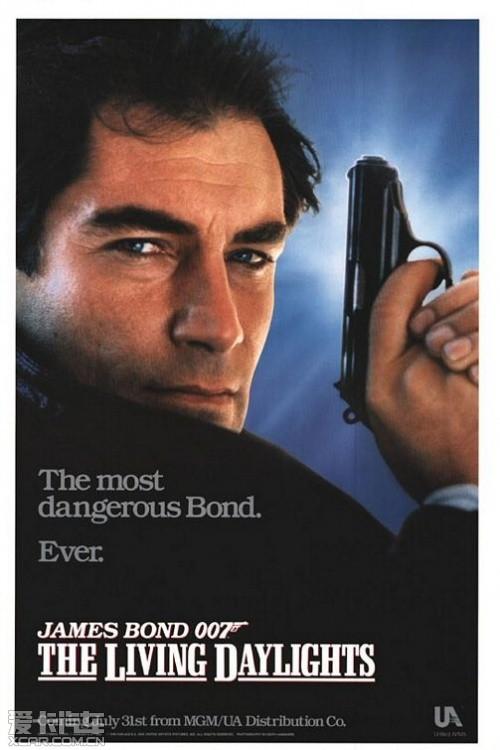 历届007系列电影海报大赏_爱卡汽车