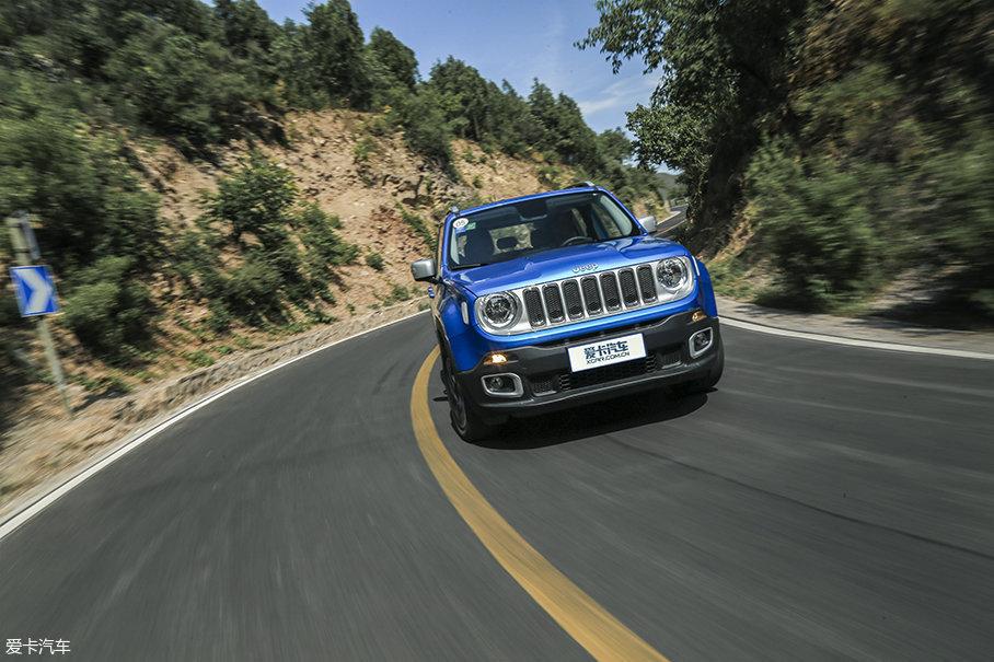 所以作为一款顶配车型,Jeep自由侠2.0L车型12.4s的百公里加速时间确实不足以让人满意。