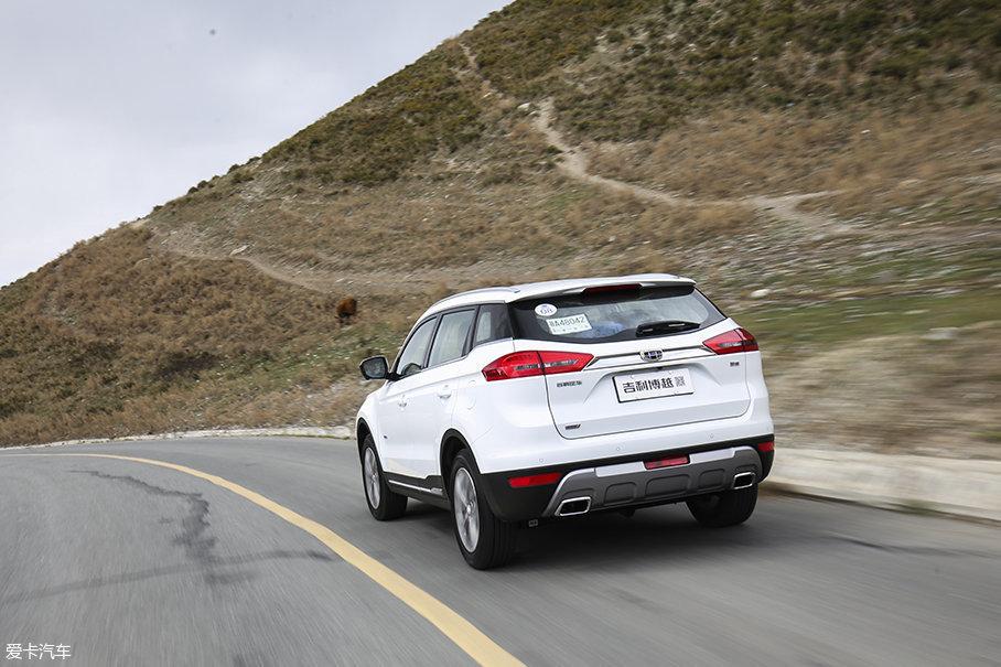 吉利博越并不能带来很强的运动感,在底盘悬挂方面也是更加偏向舒适性调校。不过对于一款10万元级别的中国品牌SUV车型来说,能够保证舒适好开就已经非常难能可贵了。