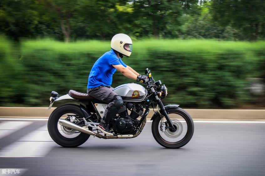 摩托车 龙嘉V咖