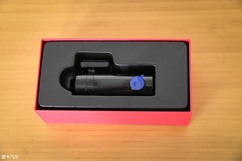 凌度Z320行车记录仪