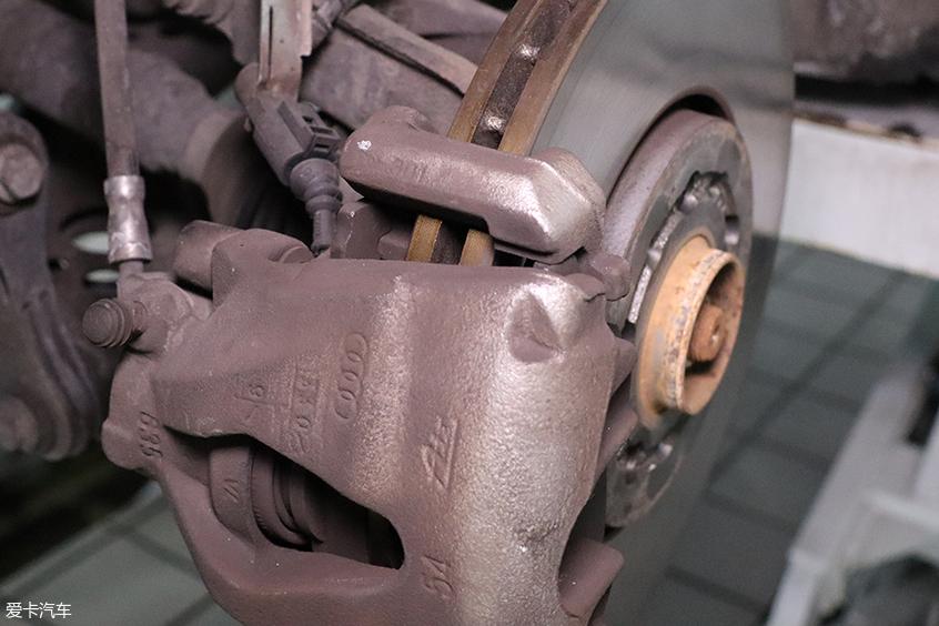 爱卡修车铺-刹车分泵保养