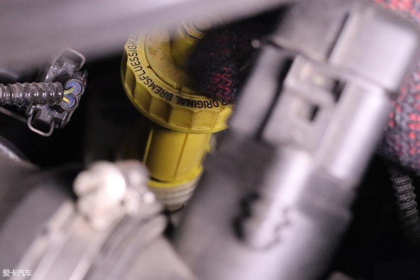 刹车分泵保养