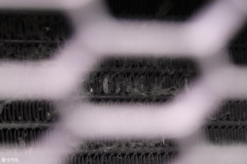 福特撼路者冷凝器结构