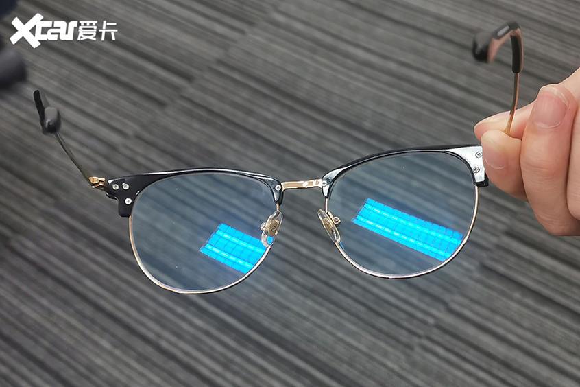 龙膜防蓝光膜;普通太阳膜;防蓝光膜防蓝光效果;防蓝
