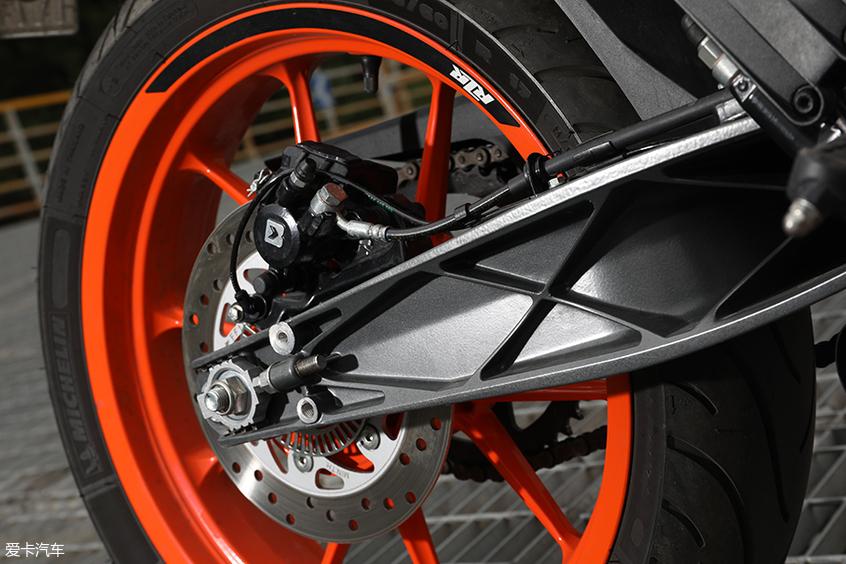 马自达MX-5  KTM 390 DUKE