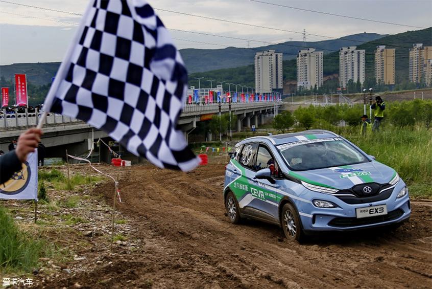 「图文」电动汽车挑战赛之短道拉力及性能评测赛