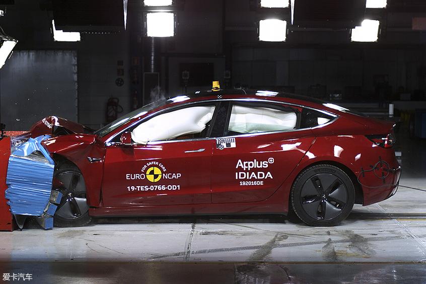 Model 3碰撞安全五星