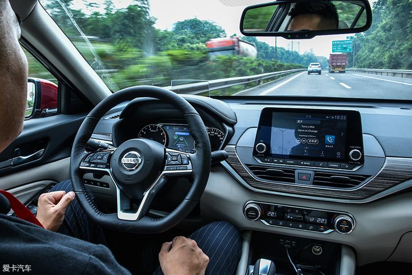 天籁;智能驾驶;车道保持;车联网;一键领航