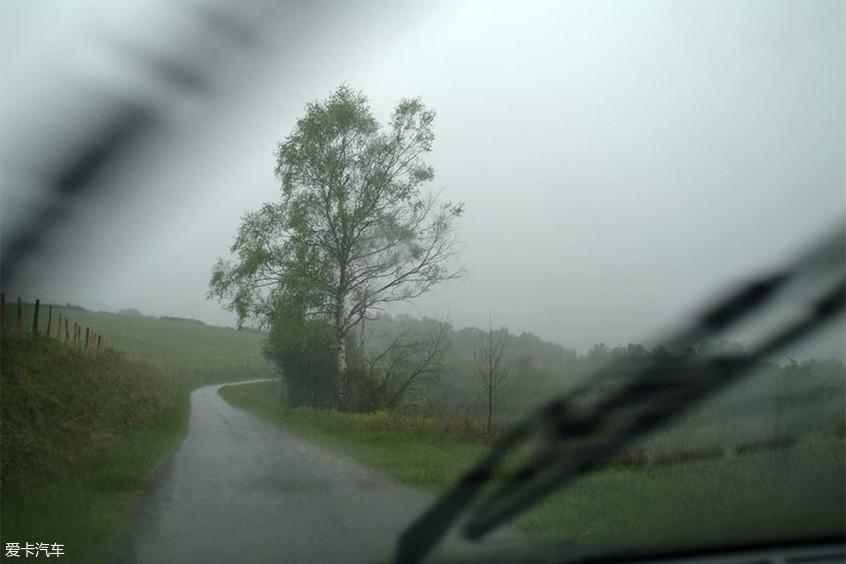 雨刷维护保养