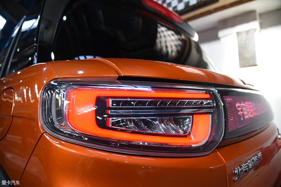 尾灯的设计同样非常出彩,LED光源的应用提升了颜值和灯光效果。